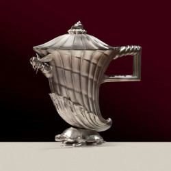 Fig. 5b. Coffee Pot (2010), silver, 25 cm high. Edition of 12.