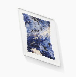 Tauba Auerbach, Compression System (Marble) (2013), pigment print on Asuka paper, CNC‐scored, hand-creased and folded tessellation, 25 x 19 inches. Printed by Andre Ribuoli and Jennifer Mahlman, Ribouli Digital, New York. Published by Lisa Ivorian-Jones for the New Museum, New York. ©Tauba Auerbach. Courtesy Paula Cooper Gallery, New York. Photo: Benoit Pailley.