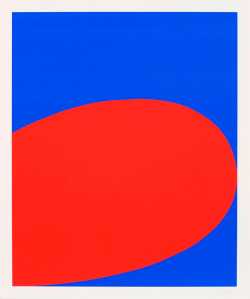 Ellsworth Kelly, Red/Blue (Untitled) from the portfolio Ten Works by Ten Painters (1964), screenprint on Mohawk Superfine Cover paper, 61 x 50.8 cm. Edition of 500. Collection of Jordan D. Schnitzer. ©Ellsworth Kelly and Wadsworth Atheneum.